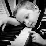 Bored piano student